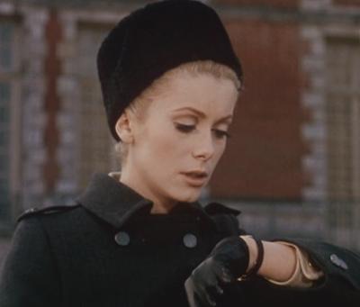 知性と品格の腕時計:カトリーヌ・ドヌーブ「昼顔」黒の皮ベルト