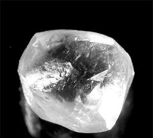 ダイヤモンドの4つの性質:宝石の王者の秘密