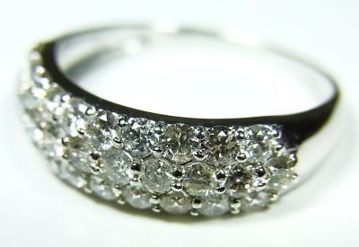 ダイヤモンドパヴェセッティング