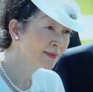 美智子皇后陛下とアコヤ真珠-パールの似合う女性の筆頭