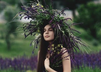 ラベンダー翡翠効果:藤色が伝えるは忘れかけていたあの想い